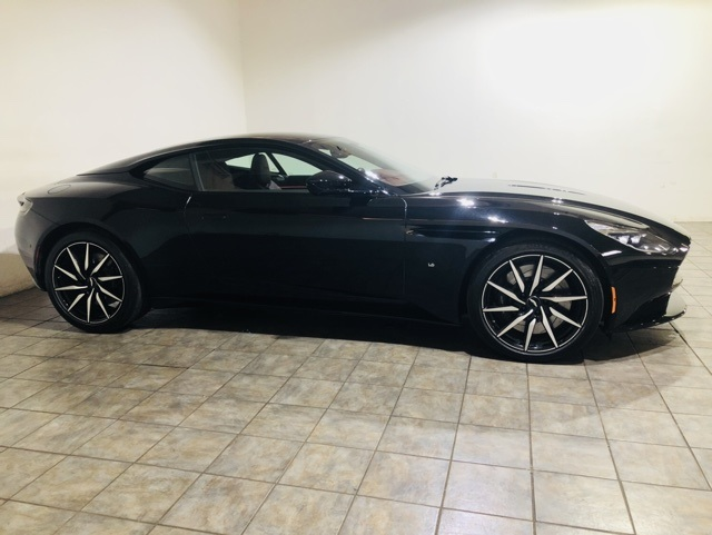 Pre-Owned 2018 Aston Martin DB11