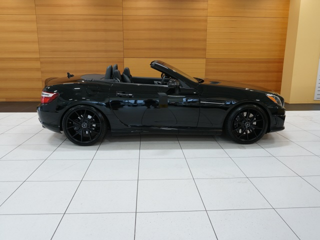Pre-Owned 2016 Mercedes-Benz SLK SLK 300